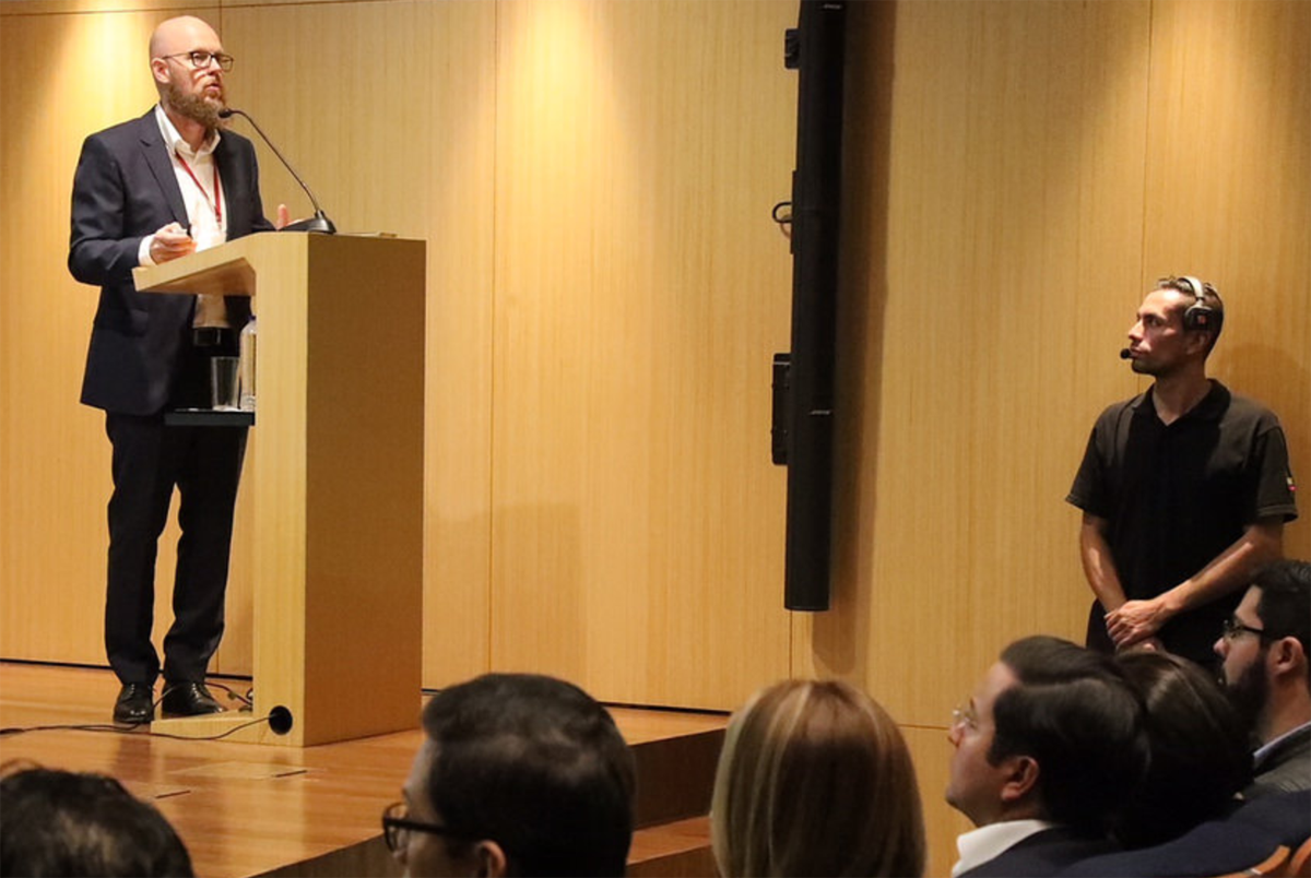 Stefan Junestrand speakes at the Colombian Ministry of TIC at the presentation of the Colombian Smart City Strategy