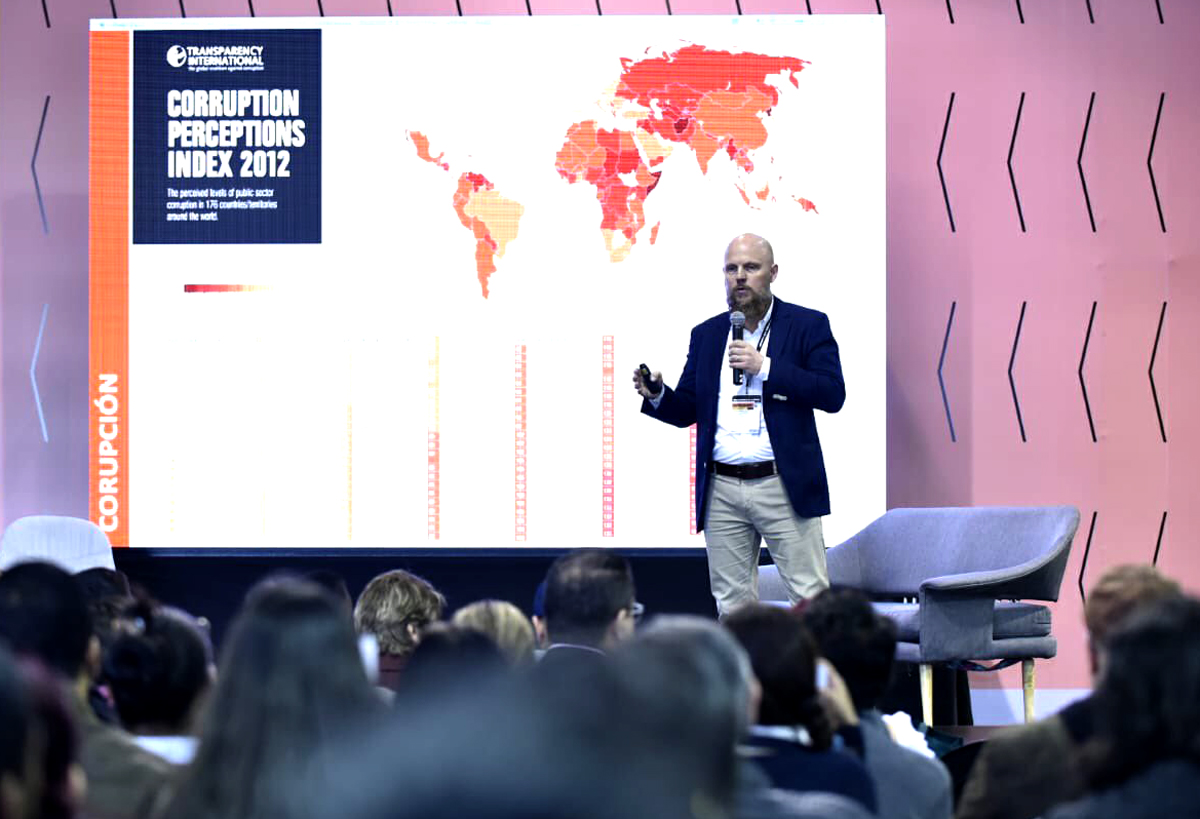 "Stefan Junestrand during his Keynote speech at the Congress ""Colombia 4.0"", October 2019 in Bogota, Colombia."